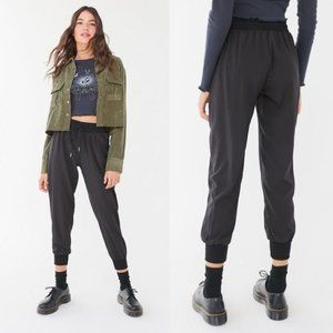 UO Out From Under Piper Woven Jogger Black sz M